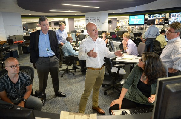 Jeff Bezos visits the Washington Post